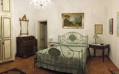Duomo Vacation Rental - VRBO 1052860ha - 6 BR Florence Apartment in Italy, Old Apartment in the Historical Center, 100 Meters from the Cathedral