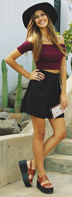 Cirenea Burgundy And Black Every Day Trendy Summer Outfit Idea