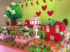 Maria Pompom 's Birthday / Strawberry Shortcake - Photo Gallery at Catch My Party Strawberry Shortcake Birthday, Strawberry Baby, 2nd Birthday, Birthday Parties, Cinderella Slipper, 1st Birthday Decorations, Party Themes, Party Ideas, Toilet Paper Roll Crafts