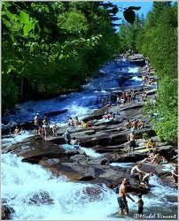 Parc de la Mauricie, Québec, Canada https://www.stopsleepgo.com/vacation-rentals/Quebec/Canada