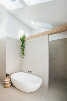 Bathtub shape; query if difficult to clean around?