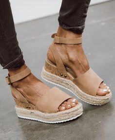 Take the Amara Platform Sandals wherever your adventures lead you! These perfectly simple sandals have a wide, vegan leather toe strap and quarter strap with silver buckle. You can choose from seven… Espadrille Sandals, Espadrilles, Shoes Sandals, Wedge Sandals Outfit, Shoes Sneakers, Sanuk Shoes, Strappy Shoes, Heeled Sandals, Strap Heels