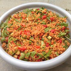 ... und weil ein Salat immer noch nicht genug ist, folgt hier sofort der nächste! Couscous Salat dürfte jedem ein Begriff sein, aber Gluten verträgt ja nicht jeder unter uns. Zudem ist Weizen ja je...