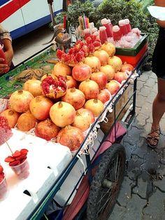 こんな風に売ってるの見たことなかった(´・_・`) - 50件のもぐもぐ - ザクロ Pomegranate by Johnny