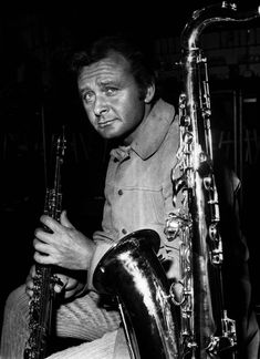 Stan Getz (1927 - 1991), the American jazz saxophonist and composer who helped to make popular the 'bossa nova' style of jazz. (Photo by Aubrey Hart/Getty Images)