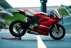 Superbike Ducati. Always ride one, just to see what all the fuss was.