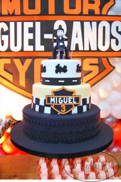 La Belle Vie Eventos: Harley Davidson - 3 anos do Miguel Motorcycle Birthday, Motorcycle Party, Happy Birthday Cakes, 50th Birthday Party, Bolo Motocross, Event Organization, Cake Decorating Tips, Desserts, Baby Shower