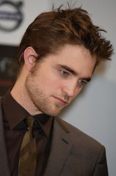 Rob in Japan . Why so handsome ? #Robert Pattinson
