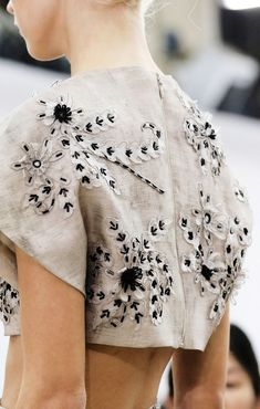 IvyCorrêa. Gianbattista Valli - Spring /2014 - Detail. Vogue.com