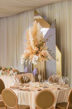 #wedding #weddingtable #weddinghall #pampasgrass #naturalcolor #weddingdecor #beige #свадьба #свадебныйстол #свадебныйзал #помпаснаятрава #натуральныйцвет #свадебныйдекор #бежевый
