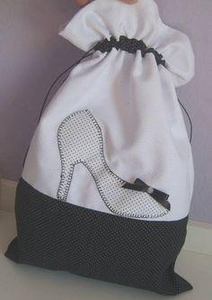 Sacos para viagem, 4 peças em piquet e detalhes em tricoline Saco para roupa suja Saco para chinelo Saco para sapato Saco para lingerie