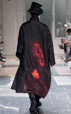 """画像: 11/13【「着る服ないの」デザイナー山本耀司の""""終わりなき不満足""""<18年春夏>】"""