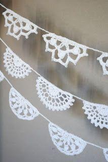 Crochet buntings kaksneljaseitteman.blogspot.fi Kakskytneljäseitsemän 24/7