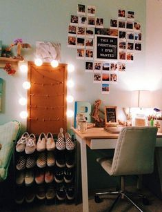 31 Awesome College Bedroom Decor Ideas And Remodel &; 31 Awesome College Bedroom Decor Ideas And Remodel &; Cute Room Decor, Teen Room Decor, Room Ideas Bedroom, Bedroom Inspo, Room Decor With Lights, Dorm Room Decorations, Simple Room Decoration, Theater Room Decor, Room Wall Decor