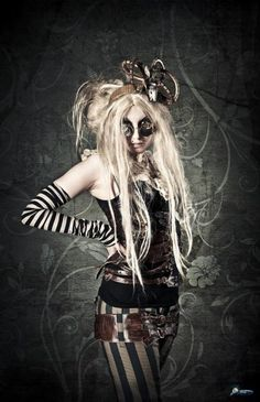 Steampunk Harley Quinn cosplay-jenni ( from who this was pinned), I love you but I don't get this at. It scares me just a little;)