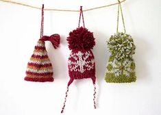 Ravelry: Mini Hats pattern by Anna Nikipirowicz Knitted Christmas Decorations, Knit Christmas Ornaments, Christmas Hat, Frugal Christmas, Crochet Christmas, Christmas Cross, Knitting Patterns Free, Free Knitting, Crochet Patterns