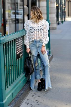 Blogger Lindsey Lutz from Life Lutzurious rocks one of fall's coolest pair of jeans. Check out this maj denim trend and her SHOPBOP sale picks.