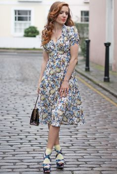 floral sweetheart dress (colette patterns 'oolong' is a good match)