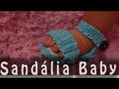 A bebê vai ficar realmente uma princesa vestindo esta peça! Assista nossa vídeo aula e aprenda a fazer este lindo modelo de vestidinho em crochê que desenvol...