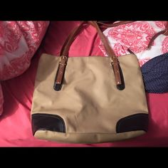Brand new purse Used once! Target Bags Shoulder Bags
