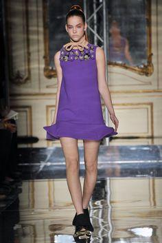 Sfilata Miu Miu Parigi - Collezioni Autunno Inverno 2010/2011 - Vogue