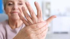 Watch This Video Extraordinary Home Remedies for Arthritis Joint Pain Ideas. Exhilarating Home Remedies for Arthritis & Joint Pain Ideas. Rheumatische Arthritis, Yoga For Arthritis, Juvenile Arthritis, Natural Remedies For Arthritis, Rheumatoid Arthritis Treatment, Arthritis Relief, Types Of Arthritis, Pain Relief, Inflammatory Arthritis