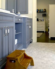 blue cabinets & hexagon tiles #kitchens