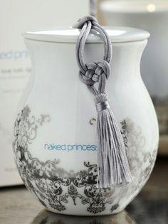 love the porcelain jar, so delicate.