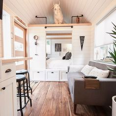 I am in total bliss with this cabinet bedroom from Tru Form Tiny ( Tiny House Ideas Bedroom bliss Cabinet Form Tiny Total Tru truformtiny House Design, Home, Small Room Design, House Interior, Stylish Bedroom Design, Tiny House Bedroom, Home Interior Design, Little Houses, Small Living