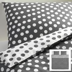 Give your bedroom a new look with the double-sided STENKLOVER duvet cover.