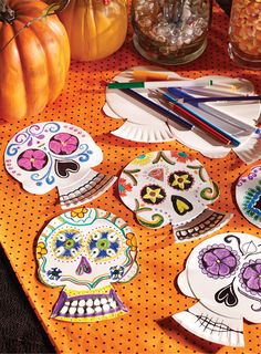 Decorate your own paper skulls in a Day of the Dead style! Simply use paper plates, markers, crayons, or colored pencils, and our easy to follow template. A perfect Halloween craft for the kids!