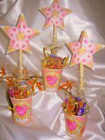 Prinsessen beker met toverstaf  traktaties Eid Festival, Party Favors, Projects To Try, Frozen, Treats, Birthday, Cake, Amazing, Desserts