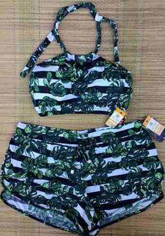 conjunto biquini top cropped + shorts praia Swimwear Fashion, Bikini Swimwear, Bikini Set, Swin Suits, Swimsuit With Shorts, Ripped Girls, Girls Bathing Suits, Bikini Outfits, Summer Lookbook