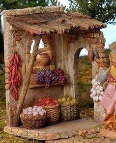 5 Inch Scale Produce Shop by Fontanini Clay Houses, Ceramic Houses, Miniature Houses, Miniature Dolls, Christmas In Italy, Christmas Time, Christmas Crafts, Christmas Decorations, Christmas Nativity Scene
