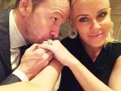 Jenny McCarthy and Donnie Wahlberg Share their first newlywed selfie