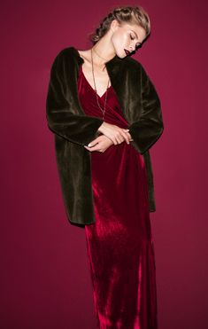Campaign Fall Winter 2018/19 Mulher | LANIDOR.COM - Shop Online Online Shopping, Campaign, Fall Winter, Fashion, Woman, Moda, Net Shopping, Fashion Styles, Fashion Illustrations