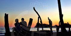 paparapapa viendo el atardecer en Playa Garza, Costa Rica.
