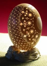 the daydream factory: FRANC GROM: EGG SHELL ART