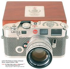 Leica M6 rare Platinum Unit for Sultan of Brunei Silver Jubilee Year, 1992 with Matching Platinum-plated SUMMILUX-M 1.1.4/50mm with special ...