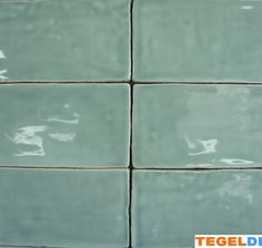 Geweldige kleur: Friese witjes, Jade, cm á handvorm wandtegel Art Deco Bathroom, Bathroom Spa, Black Interior Doors, Art Deco Buildings, Style Deco, Art Deco Home, Kitchen Tiles, Inspired Homes, Tile Design