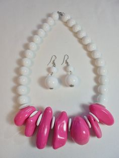 Vintage Necklace/Earrings Pink/White Set/Lot Lucite Large Chunky POP ART Retro…