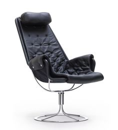 Jetson Chair by Bruno Mathsson for DUX. In black leather.