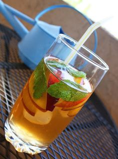 The Comfort of Cooking » Peach and Mint Iced Tea