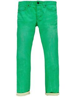 One Green Elephant - der Name ist Programm. Stylische Denim-Jeans im Used-Look in einem kräftigen Grün.