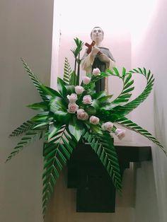 Floral compositions – Creative Flower … – Famous Last Words Creative Flower Arrangements, Tropical Floral Arrangements, Church Flower Arrangements, Church Flowers, Beautiful Flower Arrangements, Funeral Flowers, Floral Centerpieces, Tropical Flowers, Blue Wedding Flowers