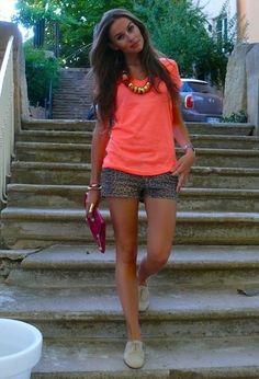 A 14€ outfit !  , Jennyfer dans T-Shirts, Jennyfer dans Shorts, Minelli dans Chaussures plates, Balenciaga dans Clutch / Pochette, H dans Bijoux