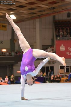 Amazing Gymnastics, Gymnastics Photography, Gymnastics Outfits, Gymnastics Pictures, Sport Gymnastics, Artistic Gymnastics, Olympic Gymnastics, Ballerina Workout, Gymnastics Flexibility