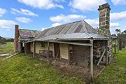 The childhood house of Ned Kelly, bushranger, built in 1859 by his father John 'Red' Kelly. Abandoned Houses, Abandoned Places, Australia House, Melbourne Australia, Ned Kelly, Australian Bush, Old Cottage, Natural Homes, Australian Architecture