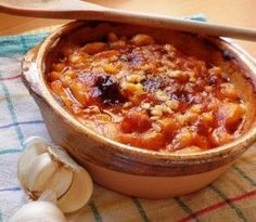 Authentic Macedonian baked beans - tavce gravce. Something soooo sothing for the harsh win...
