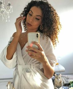Juliana Louise Curly Hair Styles, Photography Hacks, Up Dos